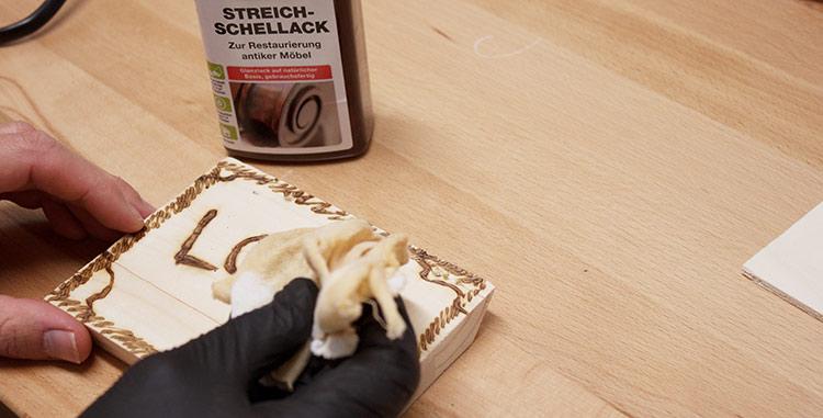 Schellack als Finish fürs Kunstwerk